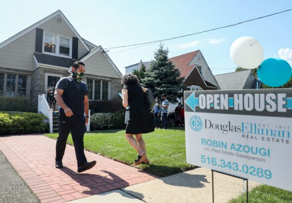 Weekly mortgage demand stalls as rates rise