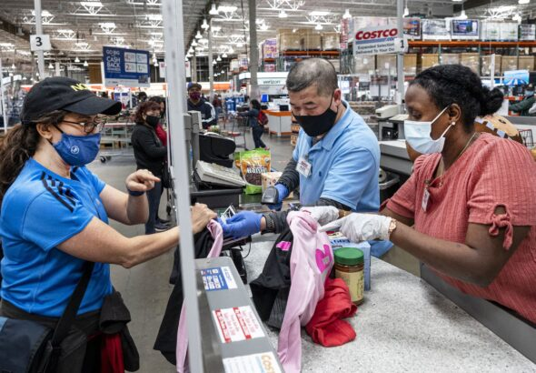 Retail sales unexpectedly rise in September as consumers keep spending